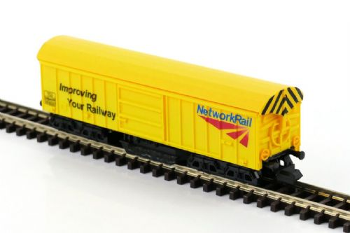 GM2420101 Network Rail Track Cleaning Wagon